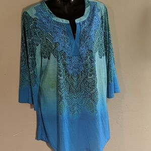 Long shirt with 3/4 sleeves